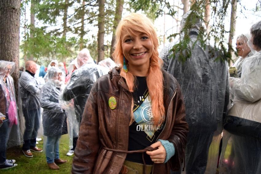 Juuni, oikealta nimeltään Julia Vornanen, pisti bändin pystyyn kuutisen vuotta sitten taidenäyttelynsä myötä.