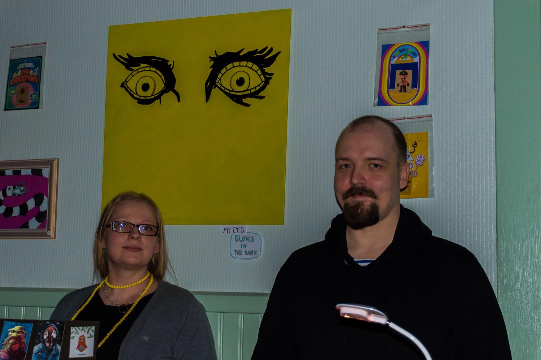 The Odhers ja Monsterinbox: Hanna-Kaisa Huhtamäki ja Juho Hämäläinen möivät kahviossa hienoa kauhutaidetta.